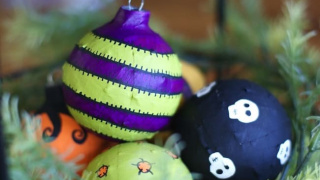 How to Make Recycled Halloween Ornaments