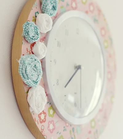 Pretty Mod Podge clock