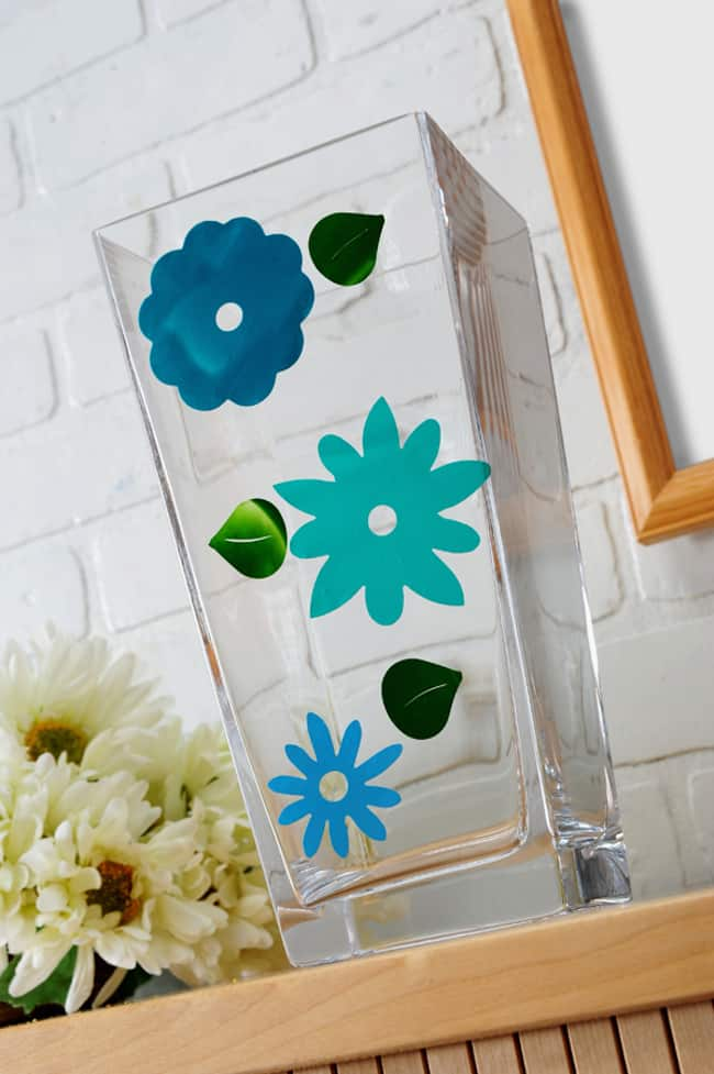 Using Mod Podge to make DIY glass clings