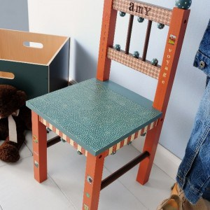 Looking for a way to personalize children's furniture? This kids decoupage chair is easy to make with your favorite colors of paint, paper and Mod Podge.