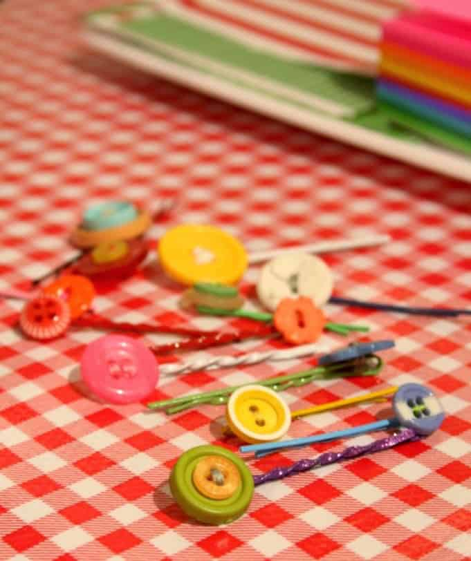 DIY button hairclips