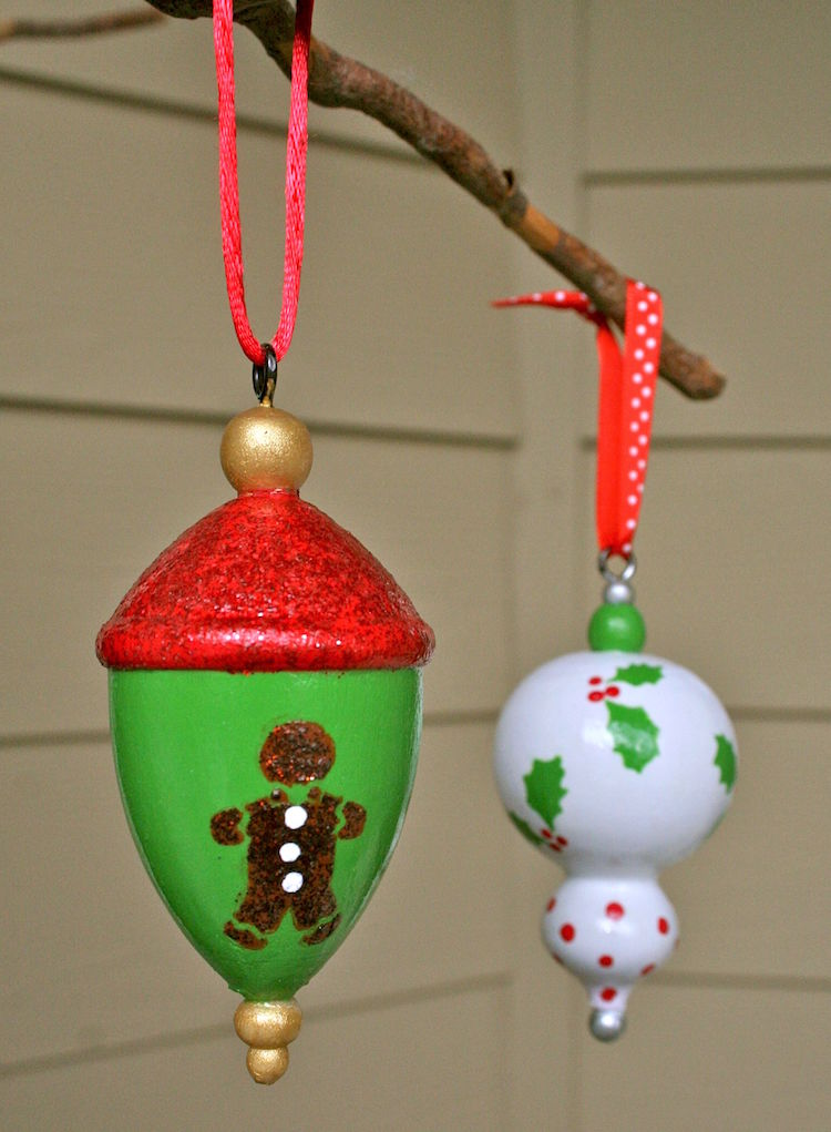 Easy painted ornaments for the holidays