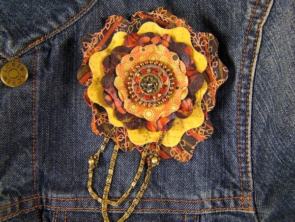 DIY fancy flower brooch