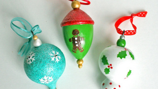 Martha Stewart Crafts Painted Ornaments