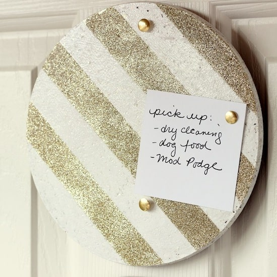 Use glitter and Mod Podge to turn IKEA trivets into DIY cork boards! Customize with the glitter and paint colors of your choice.