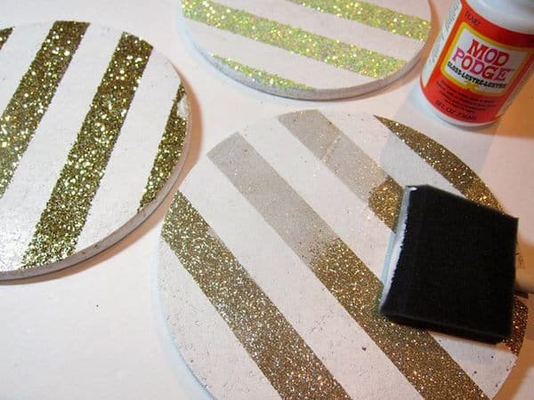 tutorialtomake-cork-memo-boards-with-glitter-stripes-03