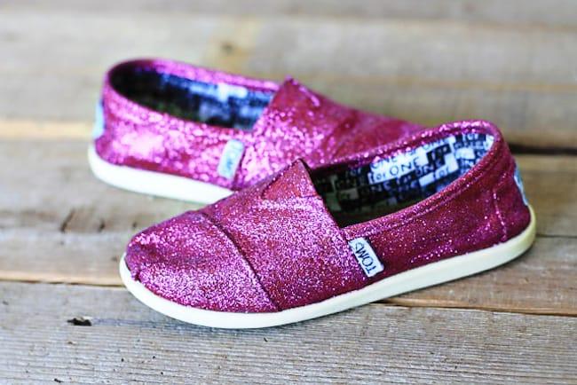 DIY sparkle Toms shoes