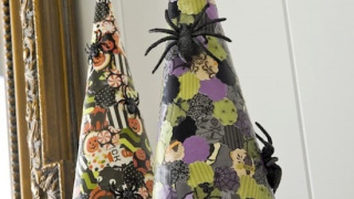 Easy Halloween Decor: Paper Spider Cones