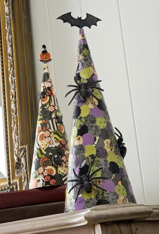 add some spooky spider paper cones to your diy halloween decor these are so easy