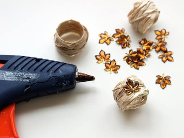 diy-napkin-rings-raffia-decoupage-fall-08