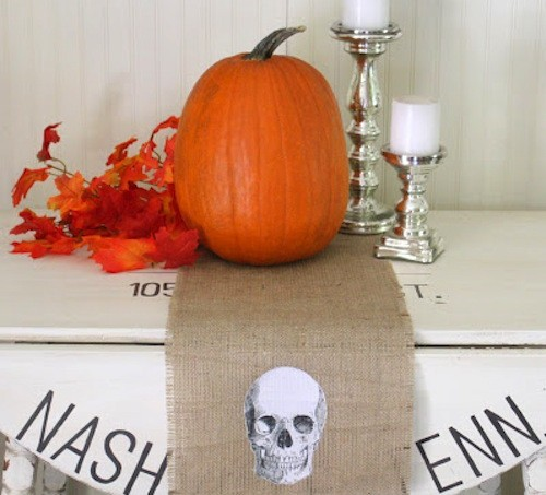 Halloween table runner with skull