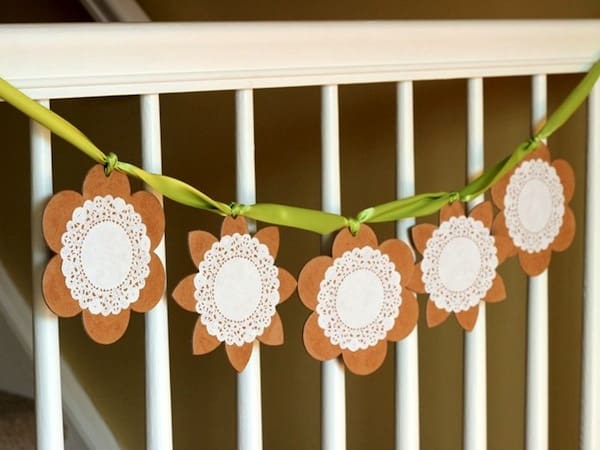 easy-decoupage-doily-floral-chipboard-banner-3