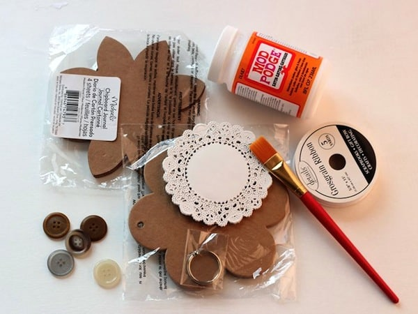 Supplies to make a DIY spring banner