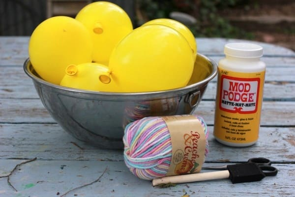 supplies to make easy yarn crafts