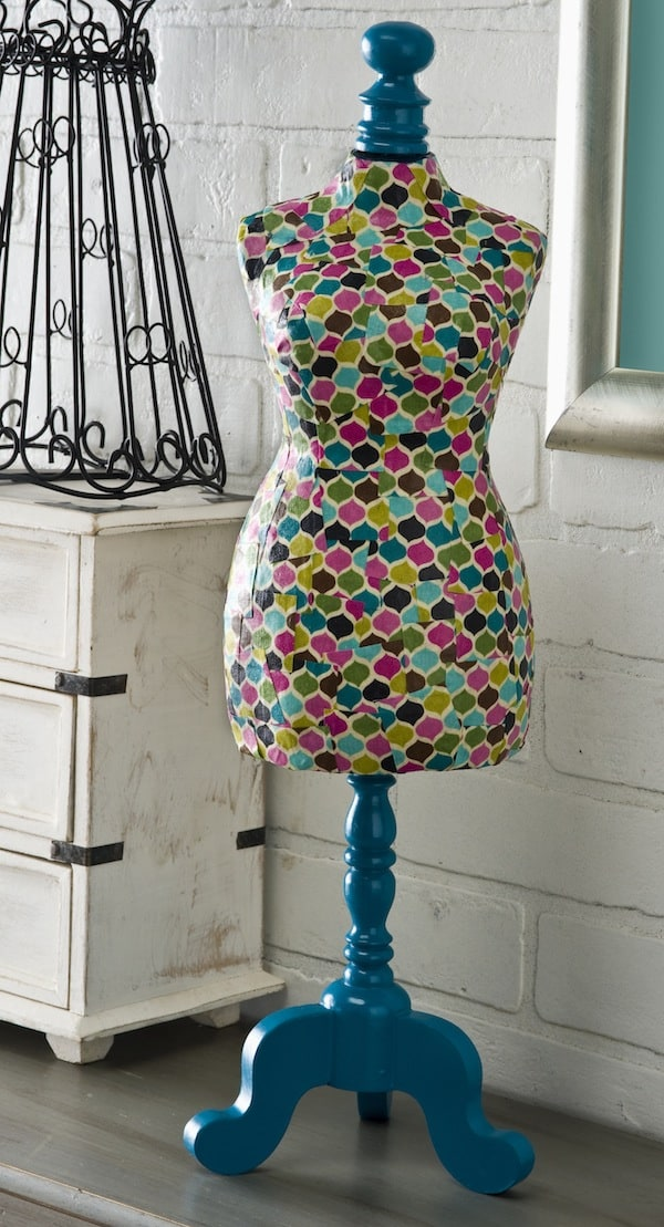 How to decoupage a dress form