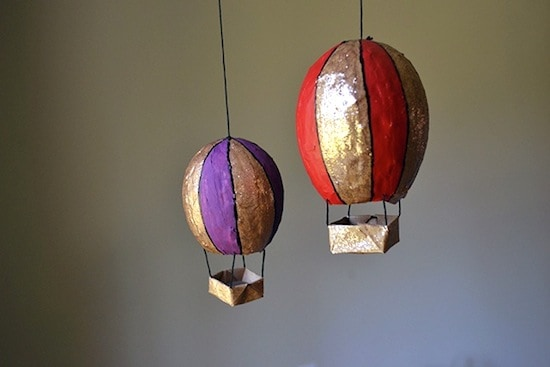 Simple kids crafts - paper mache hot air balloons