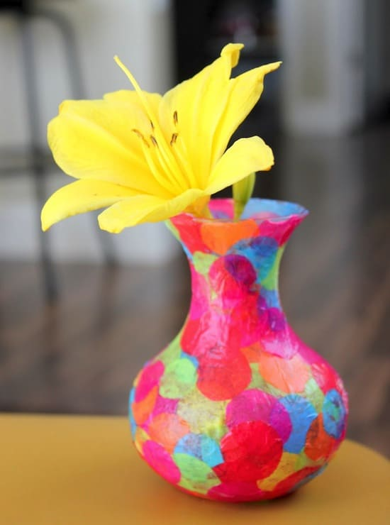 Simple kids crafts - decorate a glass vase with confetti