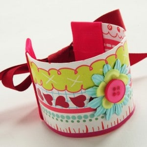 Arts and crafts for kids - recycled bracelet