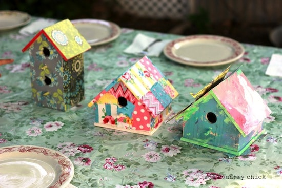 Simple kids crafts - decorating birdhouses