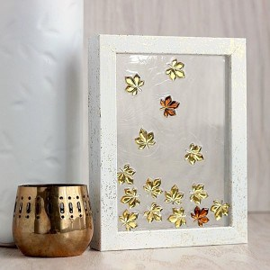 Simple jeweled leaves DIY frame