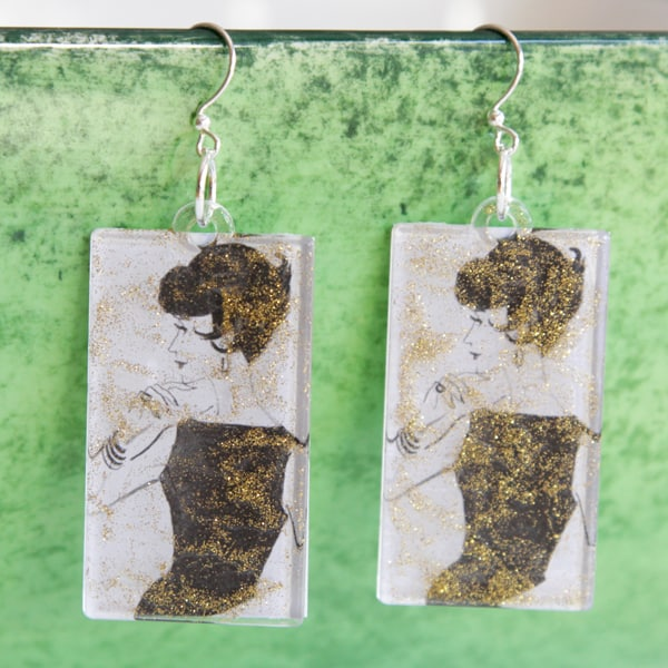 Make vintage inspired DIY earrings using Mod Podge acrylic shapes