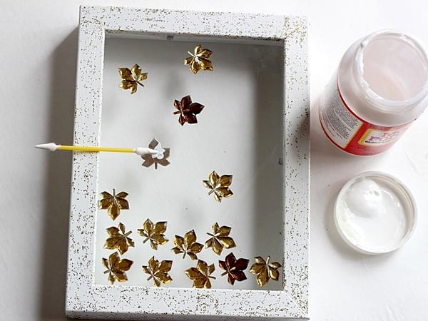 how-to-fall-leaves-frame-mod-podge-05