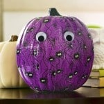 Learn how to decorate a pumpkin with Duck Tape! This is the easiest method, and both kids and adults can do it. Perfect for Halloween decor!