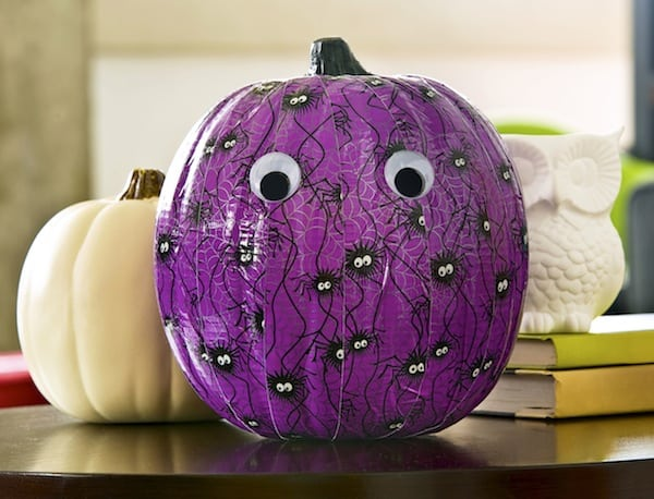 Duck tape craft - make a Halloween pumpkin
