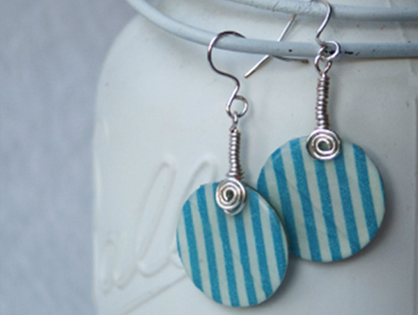 Make earrings with washi tape