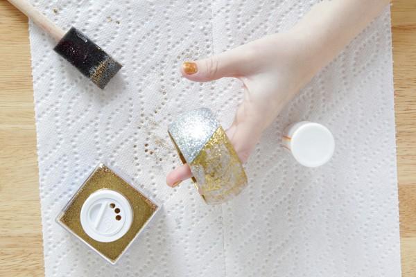 DIY glitter bangle