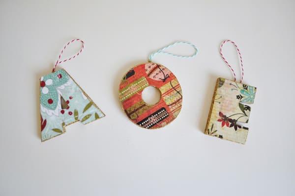 initial ornaments 5