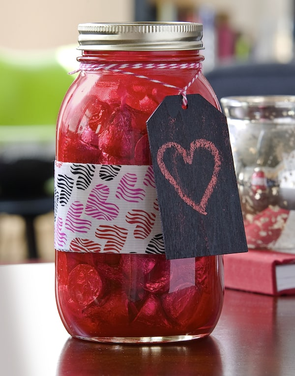 Duck Tape crafts: Valentine's Day candy jar