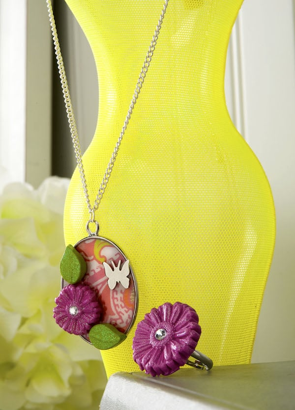 Make a floral necklace and ring with Mod Melts & Molds