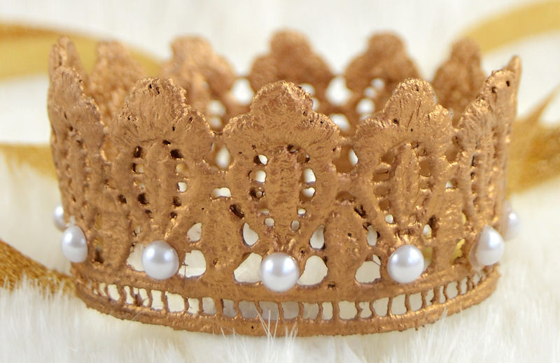 Make a DIY crown