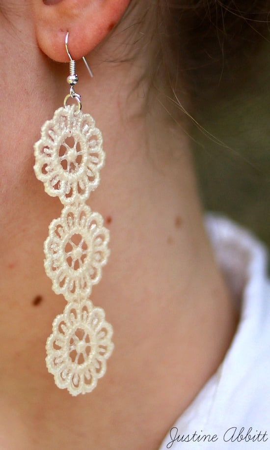 How to make lace earrings with Mod Podge in three steps