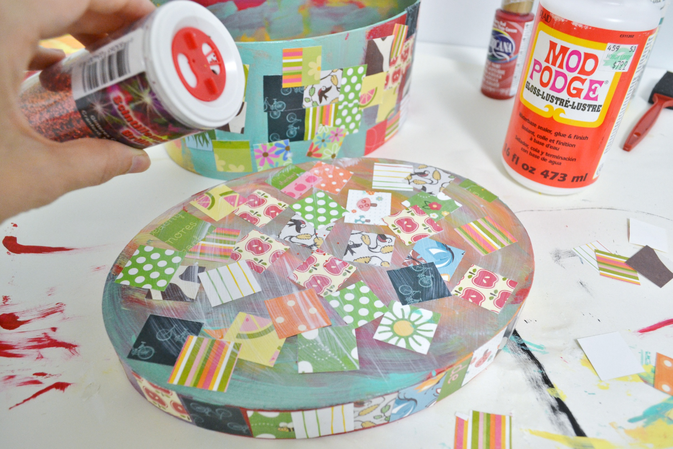 Easy diy crafts you can do with burlap - Easy Kids Craft Decoupage Treasure Box Mod Podge Rocks