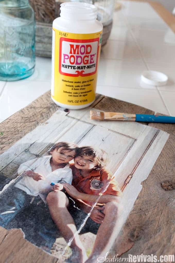 Decoupage pallet photo frames