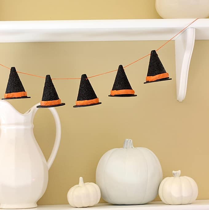 DIY Witch Hat Halloween Garland