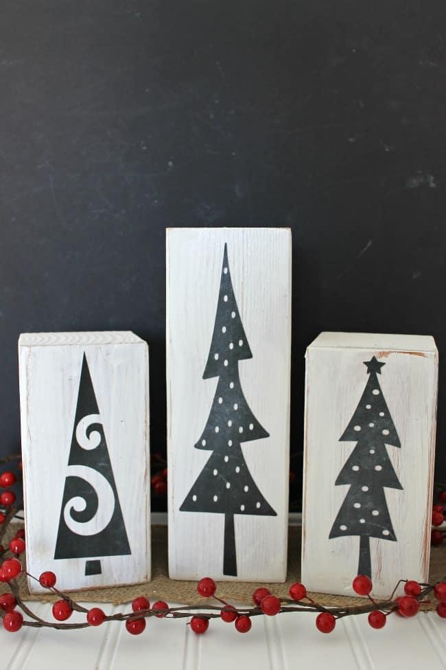 Chalkboard DIY Christmas trees - Mod Podge Rocks