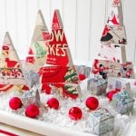 """Happy Holidays"" dimensional Christmas centerpiece"
