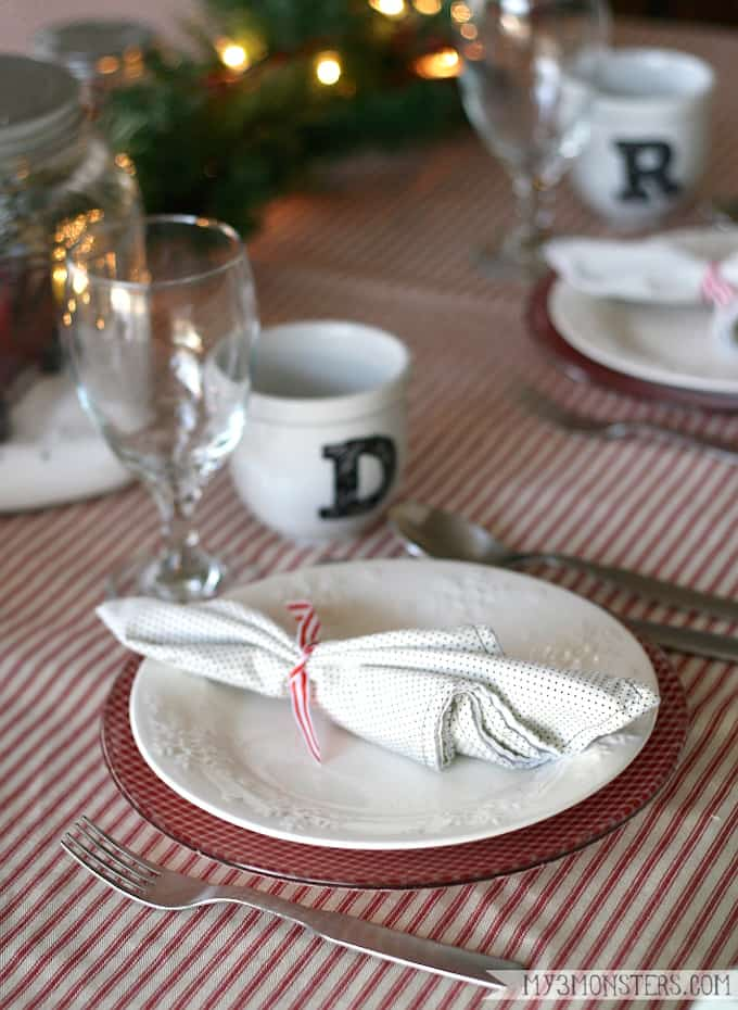 DIY Holiday Plates Your Guests Will Admire