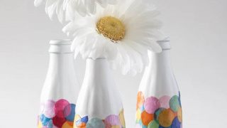 DIY Confetti Vases Made From Bottles