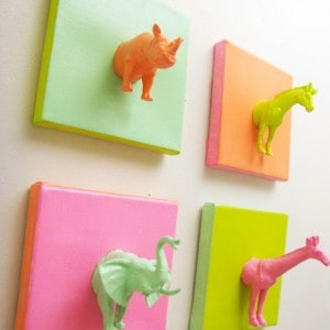 Mini plastic animals DIY canvas project