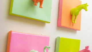 EASY Mini Plastic Animals DIY Canvas Art