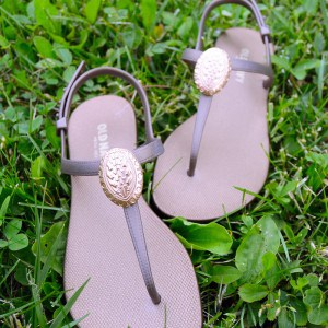 Medallion-embellished sandals with Mod M...