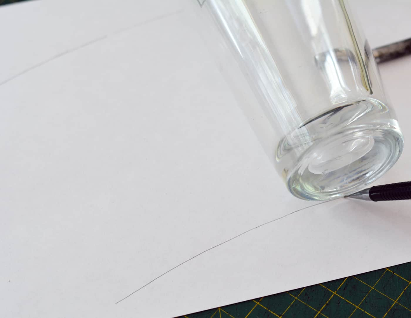 how to make a pattern of a tapered glass container