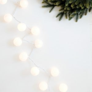 Glittered snowball DIY Christmas lights