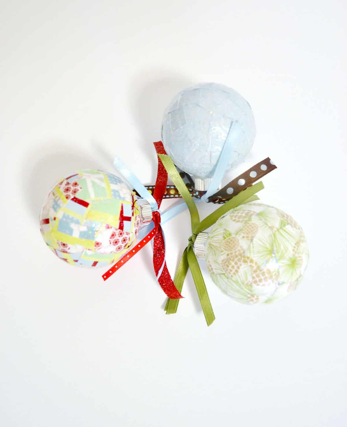 Diy Christmas Ornaments Using Paper : Easy paper scrap diy christmas ornaments mod podge rocks