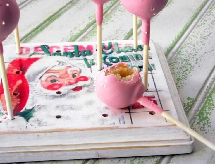 Make a DIY cake pop stand
