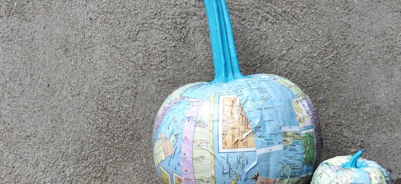 Map craft: unique DIY pumpkins